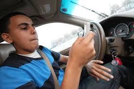 Mandar mensajes de texto al conducir es peligroso