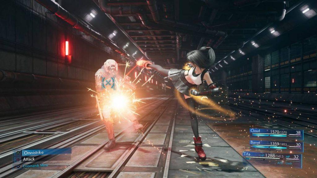 mecánicas del juego de final fantasy 7 remake, Tifa Lockhard usa un modo de pelea cuerpo a cuepor.