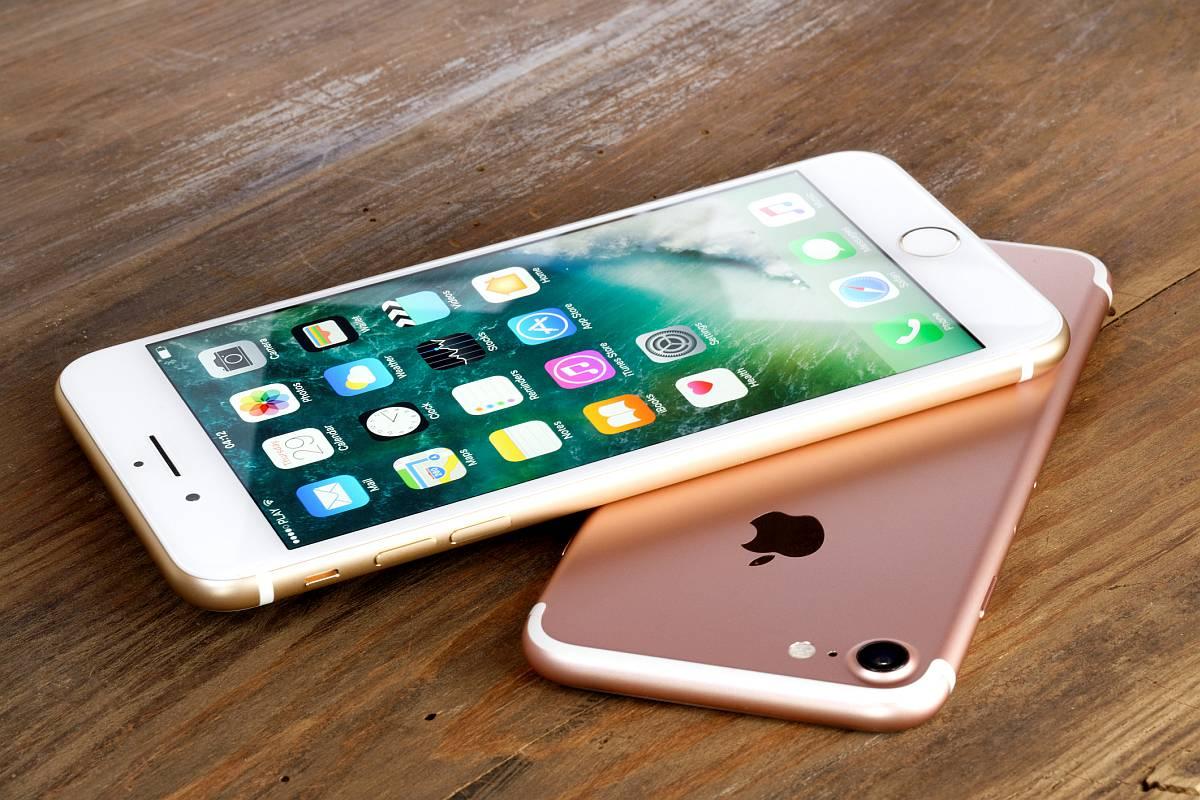 celular iPhone color rosa